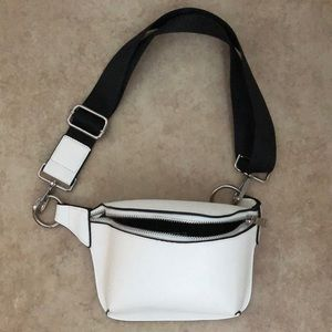 Forever 21 chic fanny pack